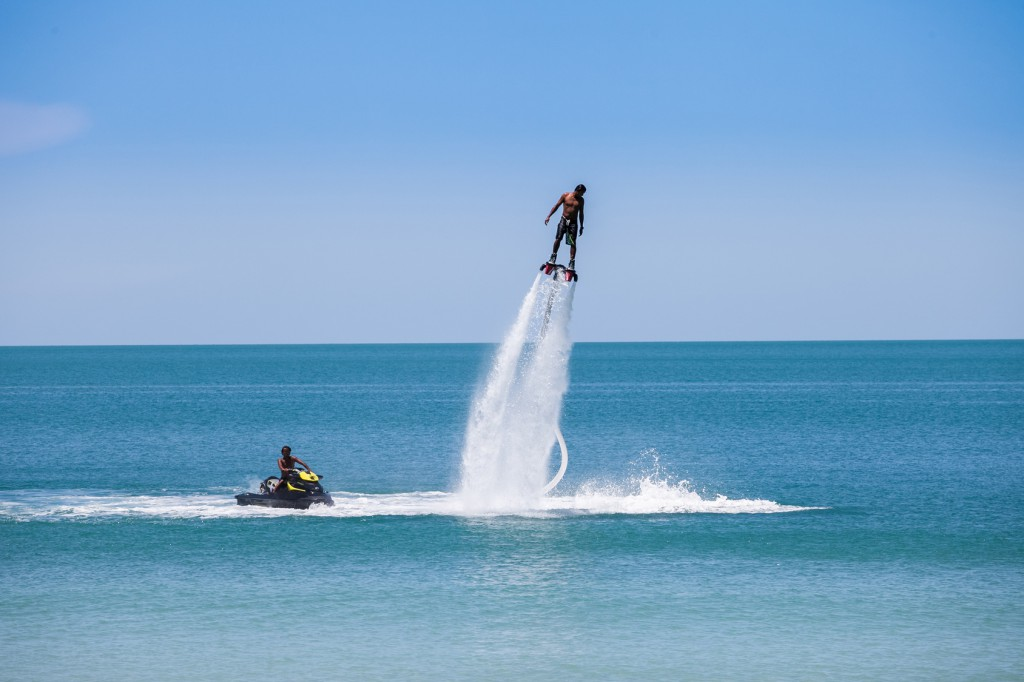 man exibition on flyboard